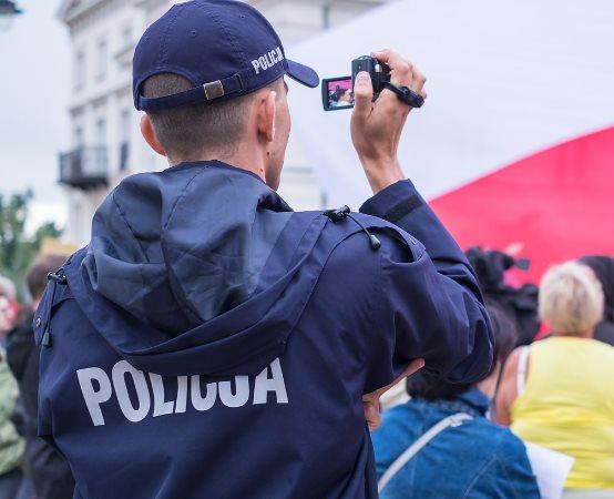 Policja Piaseczno: Areszt dla 29-latka w związku ze śmiercią 46-letniej kobiety